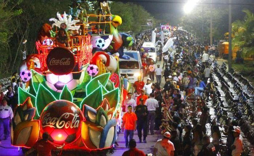 El titular del Frente Amplio de Vendedores Fijos y Semifijos reconoció que el primer día en la nueva sede del Carnaval de Mérida fue floja la asistencia. (SIPSE/Archivo)
