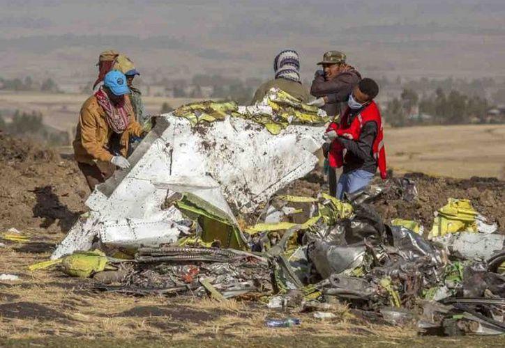 Expertos forenses de Israel llegaron a Etiopía para ayudar con las labores de investigación. (Foto: AP)