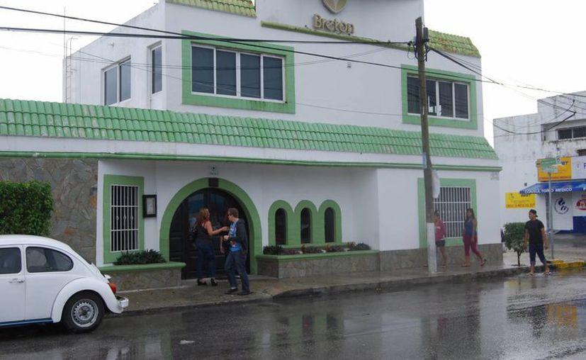 Tienen un costo de entre 100 y 200 pesos mensuales por una cifra asegurada en caso de muerte accidental de hasta 450 mil pesos. (Tomás Álvarez/SIPSE)