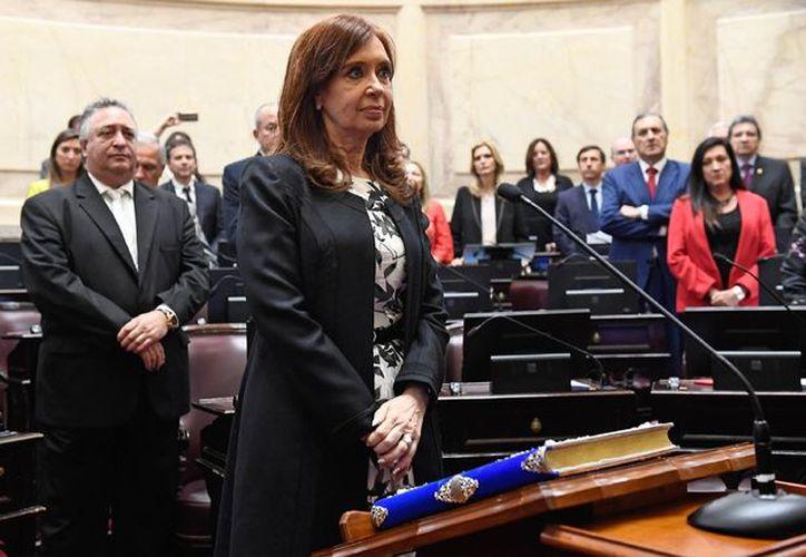 La ex presidenta argentina fue la segunda legisladora en jurar como senadora en la sesión especial realizada este miércoles.  (Foto: La Jornada)