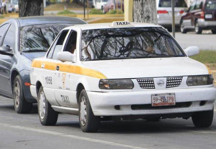 Ajustan precio de 35 a 40 pesos para viaje por persona en la ruta Chetumal-Bacalar. (Redacción/SIPSE)