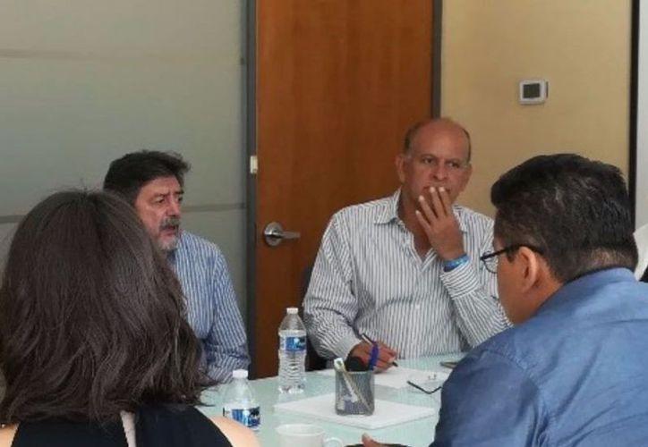 Personal de la Agepro y la persona designada por López Obrador como próximo encargado de Fonatur, se reunieron en Cancún. (Redacción)