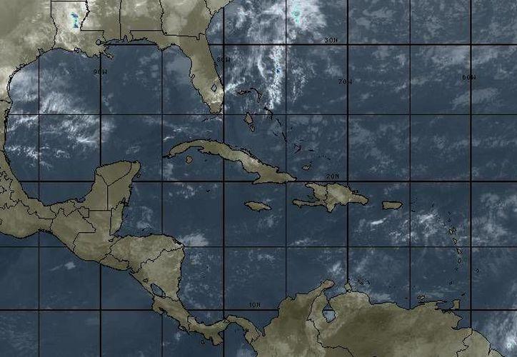 Para hoy se espera cielo parcialmente nublado, la probabilidad de lluvias es del 40%. (Intellicast)