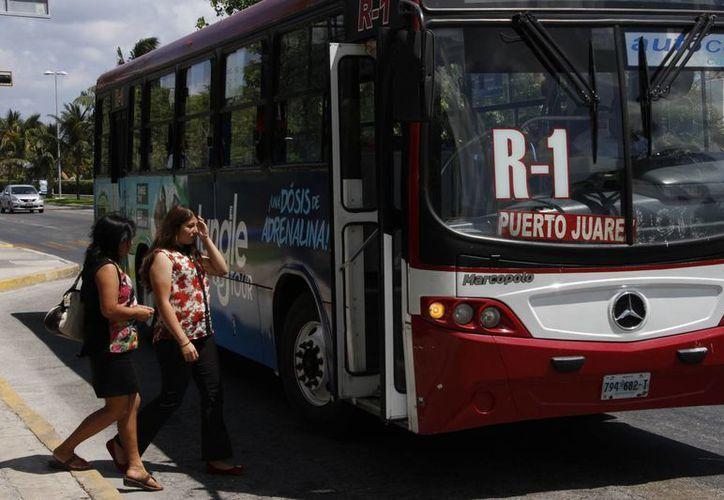 La ruta de la zona hotelera funciona las 24 horas. (Tomás Álvarez/SIPSE)