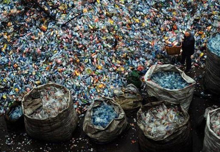 China convierte los desechos en bienes que necesita. (RT)