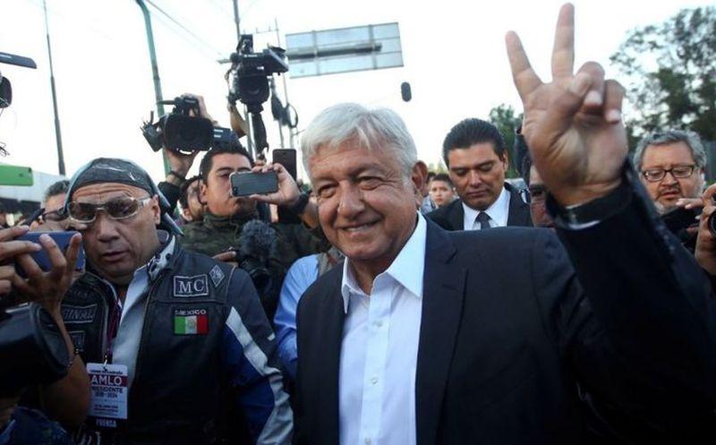Se esperará que López Obrador vote al abrir la casilla y durante el día se concentre. (El Financiero)