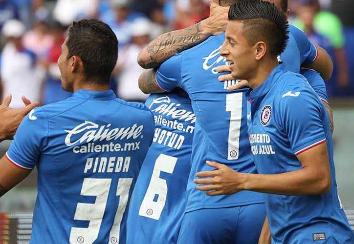 Cruz Azul están más cerca del objetivo, aseguran. (Imagen tomada del Twitter de @Cruz_Azul_FC )