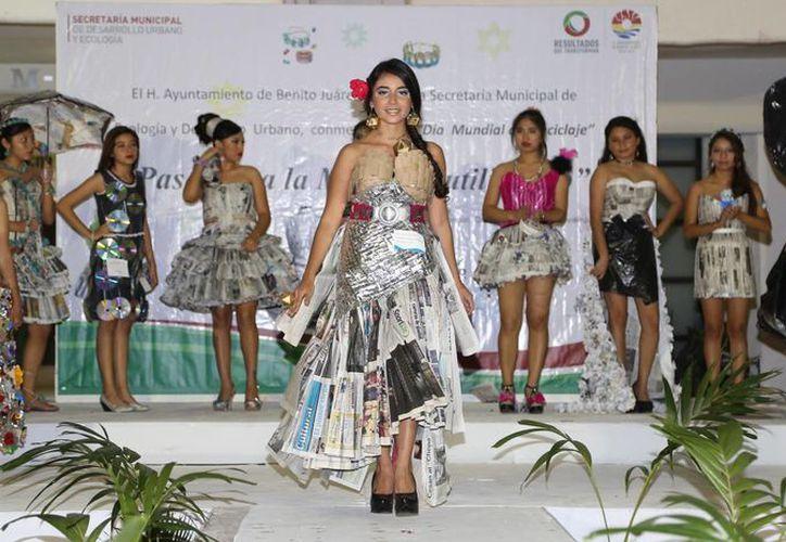 Los vestidos ganadores fueron elegidos por su creatividad y la dificultad de la realización. (Redacción/SIPSE)