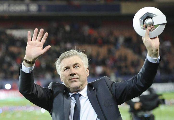Ancelotti apenas estuvo un año al frente del Paris Saint Germain, pero lo hizo campeón de liga y lo llevó a cuartos de final de Champions League. (EFE)