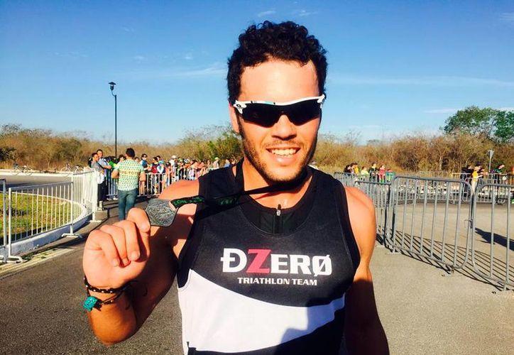 Víctor Arroyo es el campeón del primer duatlón Mérida. (Milenio Novedades)
