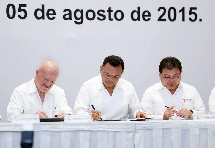 La firma de convenio contra las adicciones involucra a 62 instituciones federales, estatales, municipales y de la sociedad civil yucateca. (SIPSE)