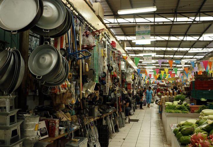 """""""Ojos"""" electrónicos vigilan zonas de los mercados. (Foto: Milenio Novedades)"""