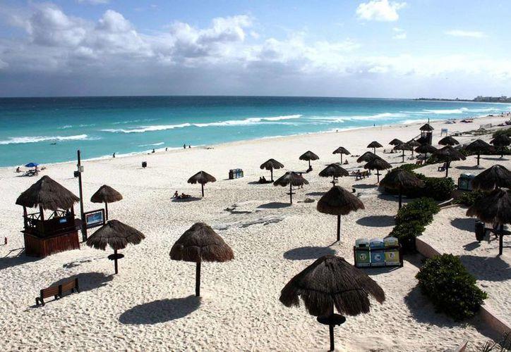 Atraen al turismo occidental a las playas de Cancún. (Francisco Gálvez/SIPSE)