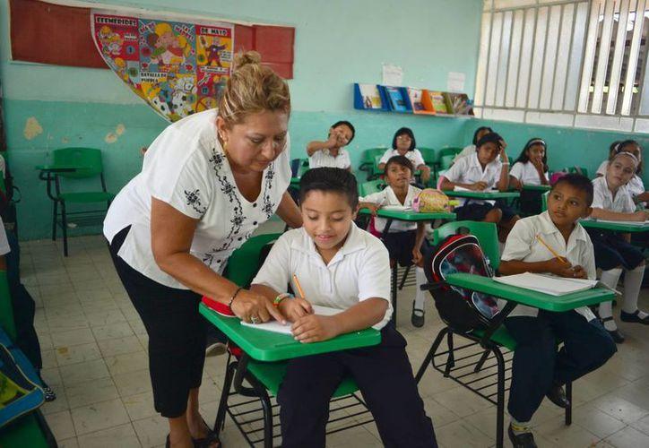 El calendario escolar 2015-2016 contempla 198 días efectivos de clases. (Archivo/SIPSE)