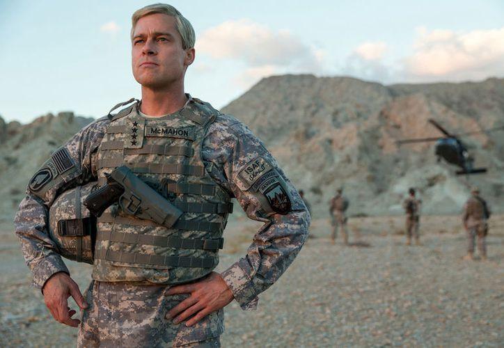 'War Machine', es una invitación, desde la comedia, a reflexionar y cuestionar los propósitos por los cuales están siendo dirigidos los soldados. (Netflix).