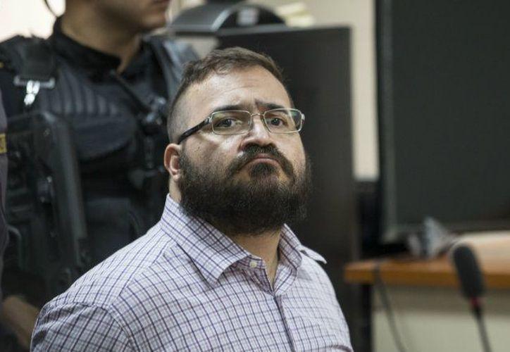 La Fepade hará efectiva la orden de aprehensión contra Javier Duarte en cuanto el exgobernador entre a México. (Récord)