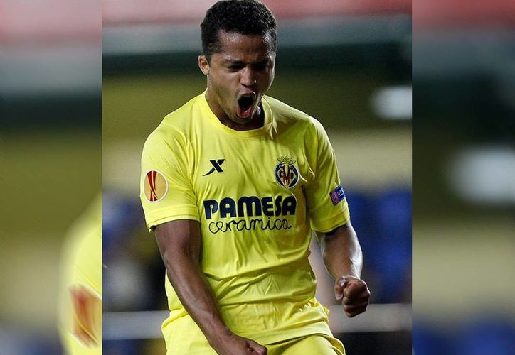 Gio dos Santos entró de cambio y mandó la pelota a las redes del Zurich. (AP/Excelsior)