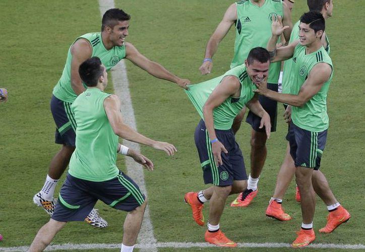 Entrenamiento de la Selección Mexicana, que tratará de vencer a Croacia para calificar a octavos de final por sexto Mundial al hilo. (Foto: AP/Archivo)