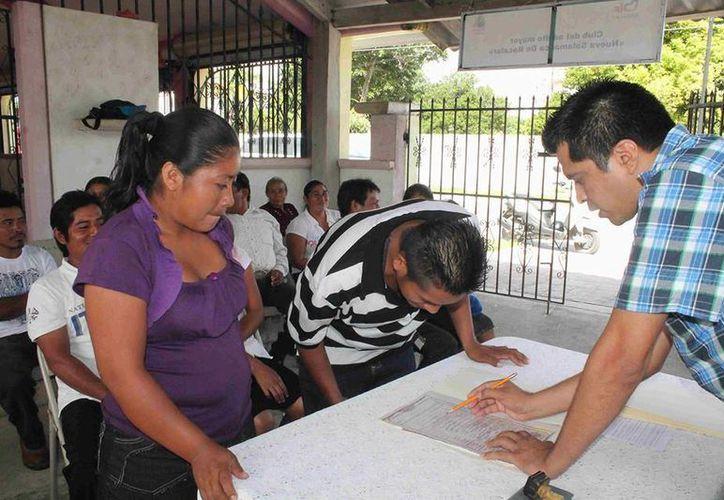 El costo de los matrimonios colectivos es de $500 pesos. (Carlos Horta/SIPSE)