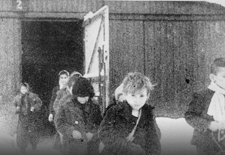 El documental dirigido por Aarón Cohen, gira en torno a la infancia de 13 judíos que sobrevivieron a la Segunda Guerra Mundial.(Foto tomada de paraisoenauschwitz.com)