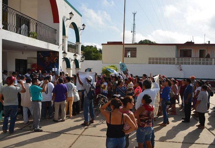 Derechos Humanos recibió dos quejas sobre el actuar de la Policía durante una manifestación en José María Morelos. (Benjamín Pat/SIPSE)