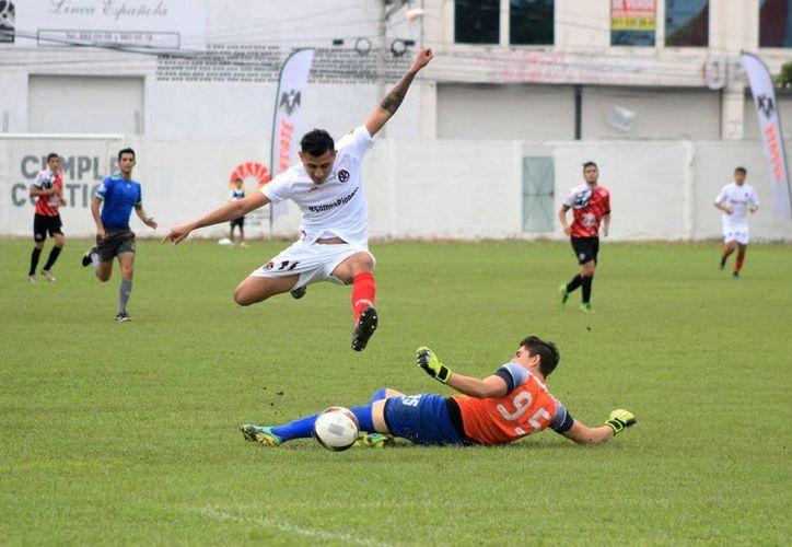 Pioneros de Cancún inician con el pie derecho su participación en la Segunda División. (Raúl Caballero/SIPSE)