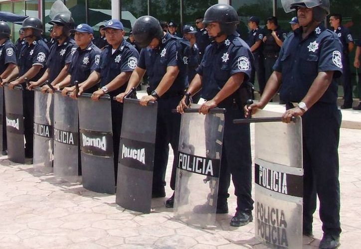 Agentes policiacos, que prefirieron guardar el anonimato, señalaron que no pueden confiar en el personal jurídico de la corporación. (Rossy López/SIPSE)
