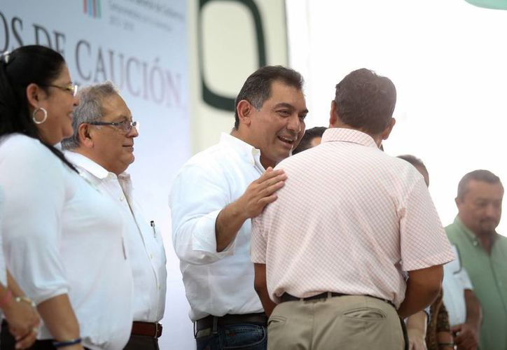 Las autoridades estatales de Yucatán entregaron 35 liberaciones anticipadas a internos del Centro de Reinserción Social de Mérida. (Milenio Novedades)