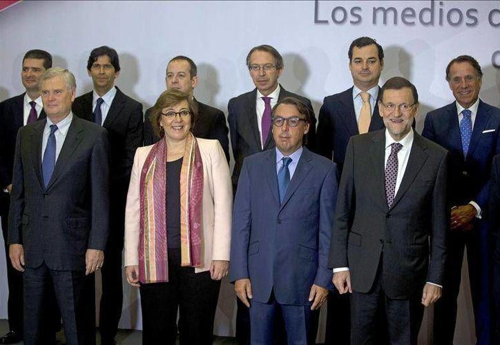 En el Foro estuvieron presentes los directores de RTVE, Leopoldo González Echenique; el de la Agencia EFE, José Antonio Vera; de grupo Prisa, Juan Luis Cebrián; y el presidente de Televisa, Emilio Azcárraga. (EFE)
