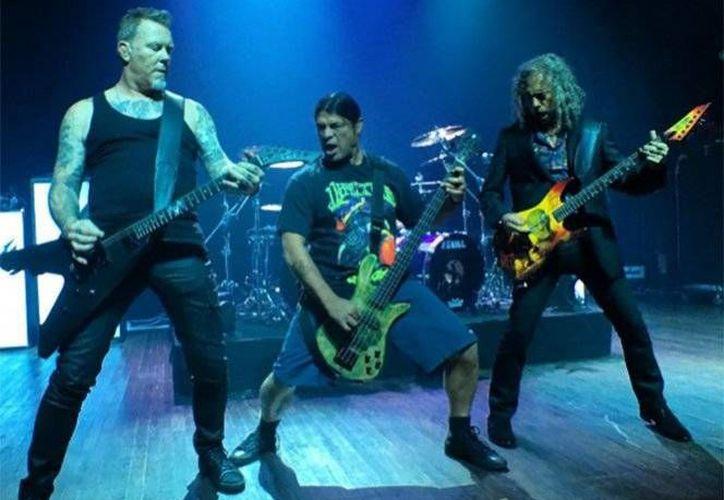 Para asistir a los eventos de Metallica, los fans tendrán que concursar en diferentes dinámicas que se realizan en estos días.(Foto tomada de Facebook/Metallica)