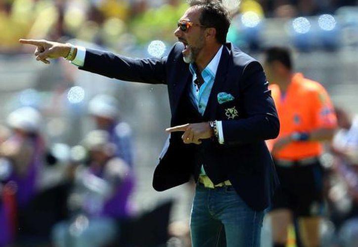Gustavo Matosas, técnico del América, asegura que el árbitro escuchó a Dario Cvitanich insultarlo, pero no hizo nada al respecto. (Foto de archivo de Notimex)