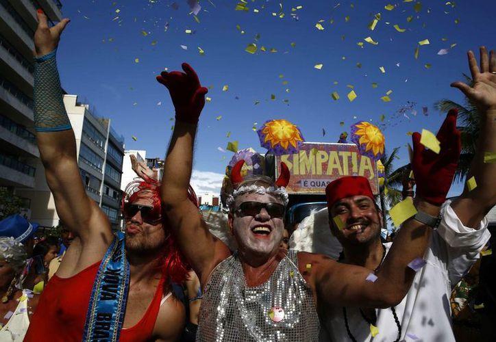 """Desfile de la comparsa de carnaval """"Simpatia é Quase Amor"""", en Ipanema, el pasado 7 de febrero, en la ciudad de Río de Janeiro, Brasil. (EFE/Archivo)"""