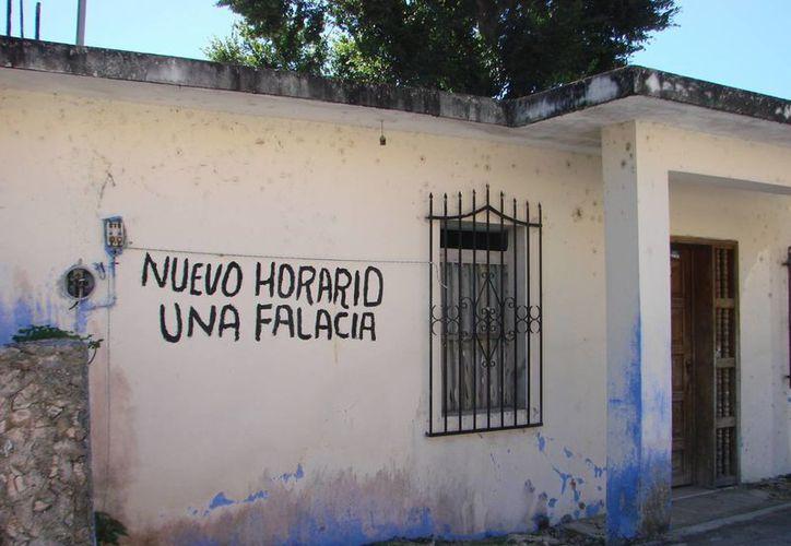 Los habitantes se mantienen firmes a la rebeldía de no aceptar el nuevo huso horario, que se aprobó para Quintana Roo. (Manuel Salazar/SIPSE)