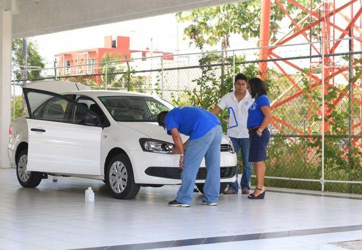 En general la industria automotriz está creciendo a nivel nacional a nivel de 24%. (Adrián Barreto/SIPSE)