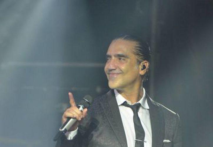 Alejandro Fernández será una de las figuras que se presentará en el Festival de la Canción Viña del Mar 2015. (Archivo/Notimex)