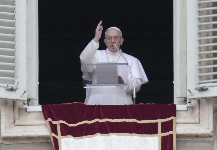 El Papa tuvo  su primera audiencia  con Gerhard Ludwig Muller, prefecto de la Congregación para la Doctrina de la Fe. (Archivo/EFE)