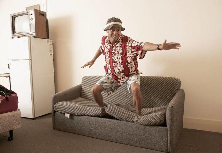 La función es ser anfitrión de los visitantes extranjeros y darles  hospedaje en sus casas, el lema es ofrecerles el sofá en su estancia en Cancún. (Foto de Contexto/SIPSE)