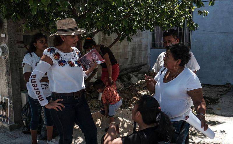 """Marybel Villegas Canché, candidata al Senado de la República por la coalición """"Juntos Haremos Historia"""" visitó a cientos de quintanarroenses este viernes. (SIPSE)"""