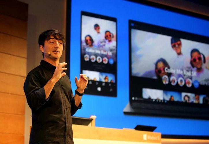 El nuevo Windows 10 recupera algunas funciones del 7, como un menú desplegable, e introduce un centro de acciones. (AP)
