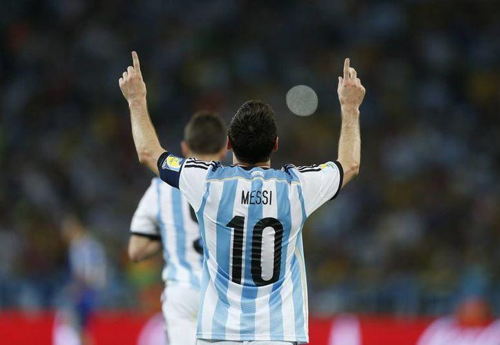 Aunque cuesta creerlo, fue apenas el segundo gol de Messi en los mundiales, primero desde que le puso el broche al 6-0 ante Serbia y Montenegro por la fase de grupos de Alemania 2006. (AP)