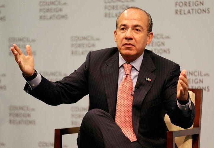 Calderón celebró la decisión de Peña Nieto de no asistir a la reunión programada con el presidente Trump. (Archivo/AP)
