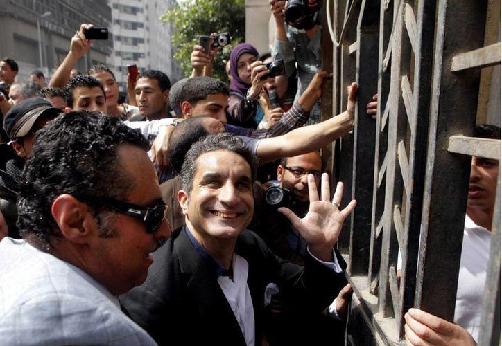"""Durante el interrogatorio, Youssef estuvo tuiteando desde la fiscalía: """"Me preguntan el color de mis ojos. En serio"""", dijo en uno. (Agencias)"""