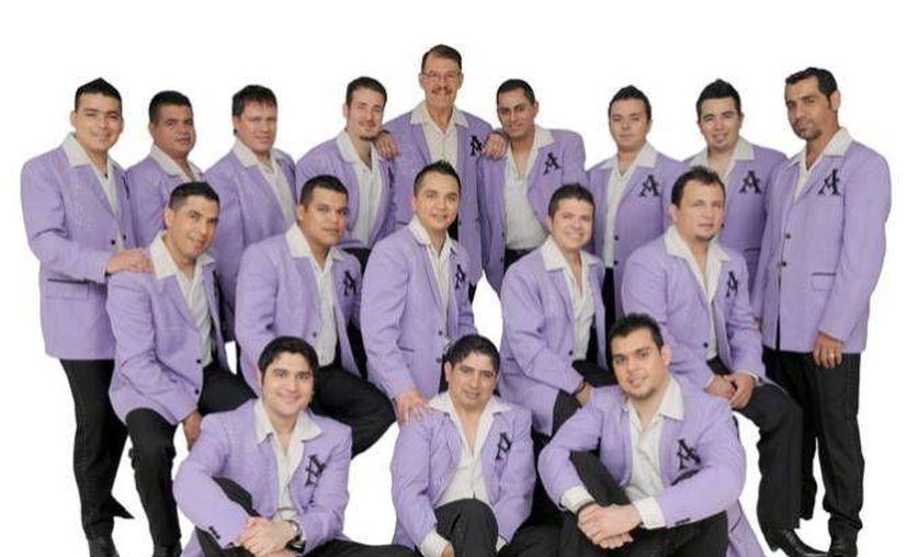Integrantes de La Arrolladora Banda el Limón. (Milenio Novedades)