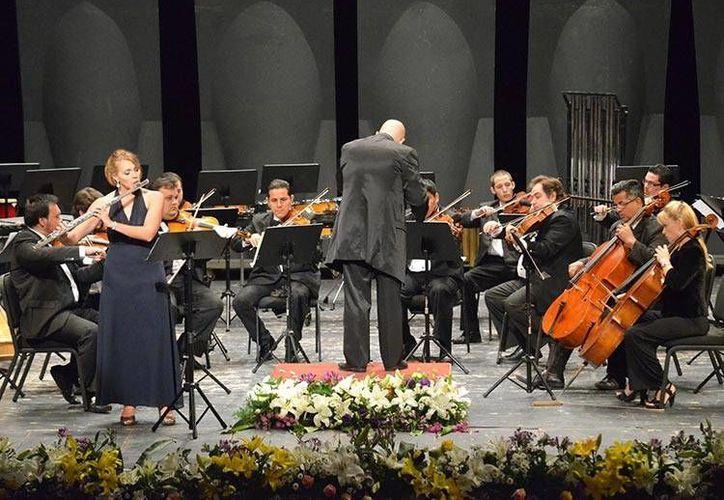 La Orquesta de Cámara del Ayuntamiento ofrecerá este jueves la presentación de un espectáculo multimedia en la explanada de la Catedral, y para el domingo 24 se realizará un Concierto de Gala en el Olimpo. (Archivo merida.gob.mx)