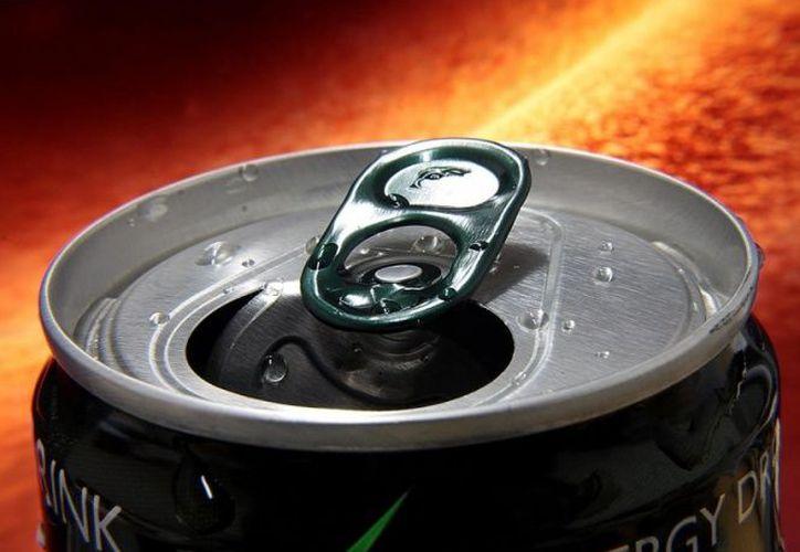 Las bebidas energéticas potencian los efectos negativos del alcohol, según un estudio reciente. (Pixabay)