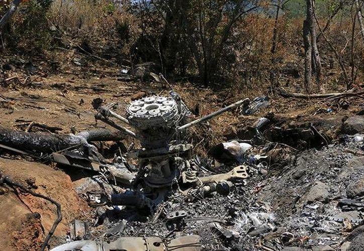 El pasado 1 de mayo un helicóptero de las Fuerzas Armadas fue derribado por narcotraficantes. (Archivo/Excélsior)