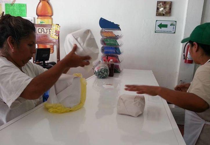 Según cifras de la Canaco, las ventas de varios negocios en la zona han disminuido en un 15 por ciento. (Edgardo Rodríguez/SIPSE)