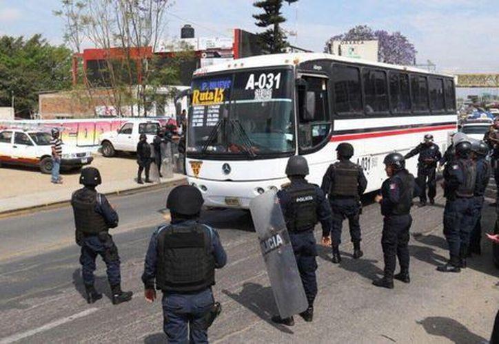 CNTE evitó que cerca de 300 normalistas de Oaxaca vayan a la cárcel. (Milenio).