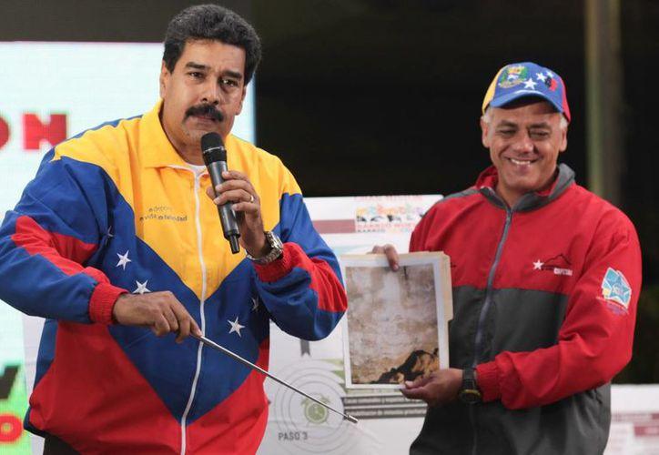 Maduro asegura que el rostro de Chávez apareció en una de las paredes de uno de los túneles, que forman parte de la excavación de una línea en construcción del Metro de Caracas. (EFE)
