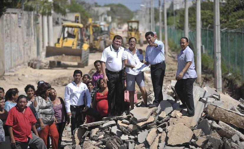 Las autoridades realizaron un recorrido por las obras. (Cortesía/SIPSE)
